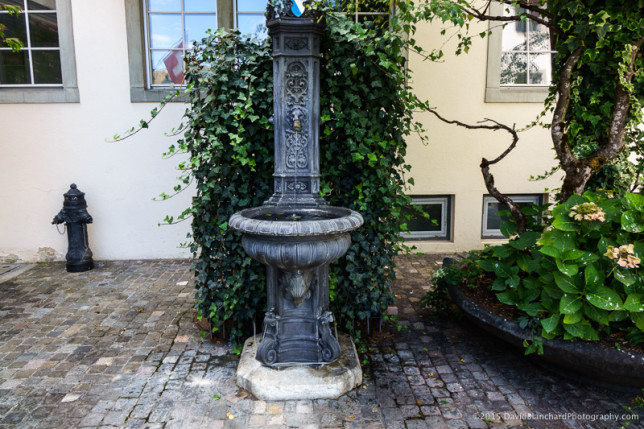 Fountain in Zürich Altstadt.