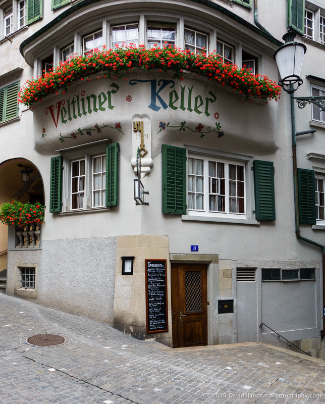 Narrow streets and very old business establishments can be found in Zürich Altstadt.