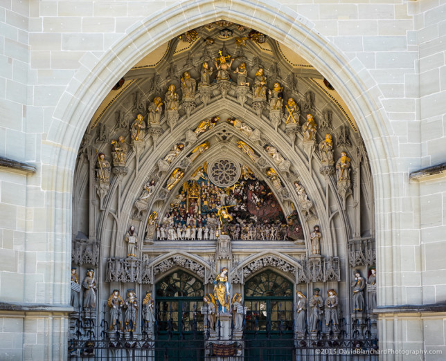 Main entrance to the Berner Münster.