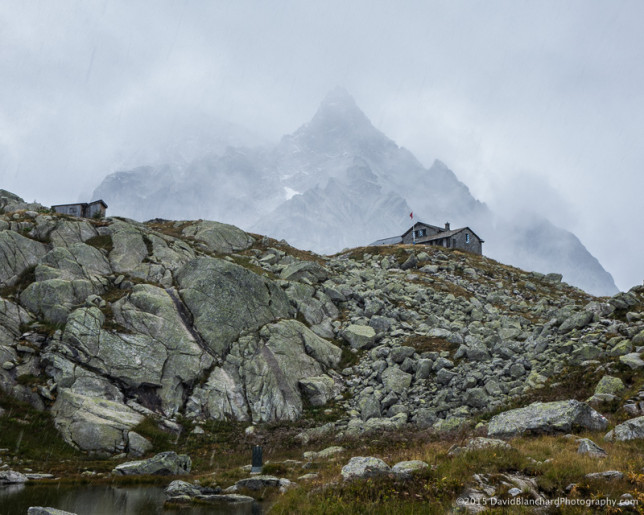 It continues to snow as we descend from the hut.
