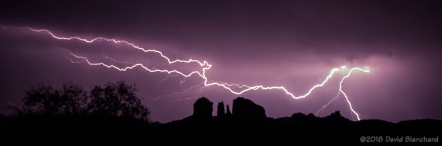 Anvil bolt over Cathedral Rock. (It's out of focus—<u>you</u> try focusing in the dark!)