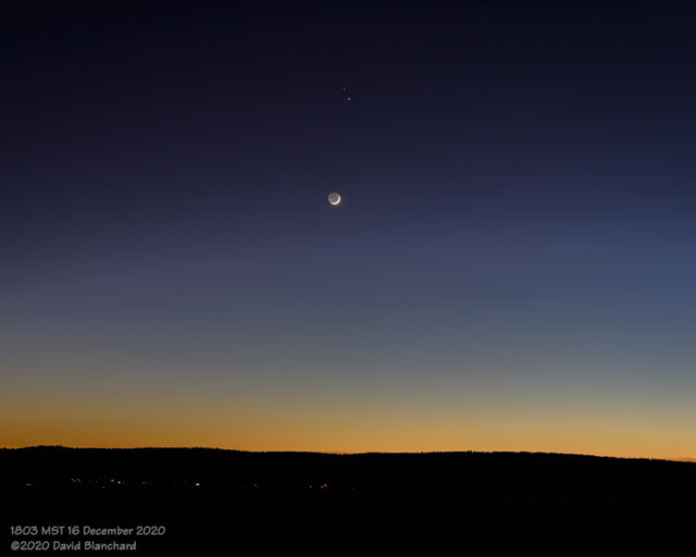 Moon, Jupiter, and Saturn in evening twilight.