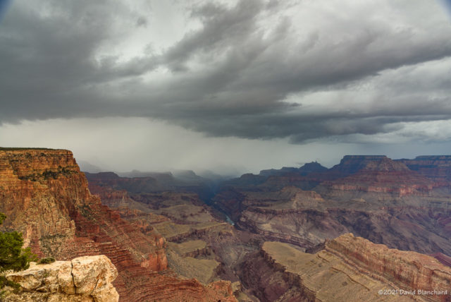 A band of heavy rain moves across Grand Canyon.